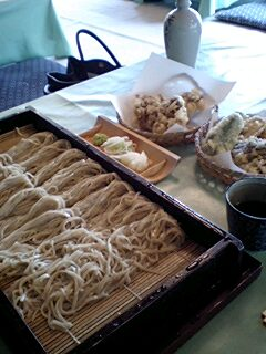 お蕎麦2人前と天ぷらで食べきれなかった☆.jpg